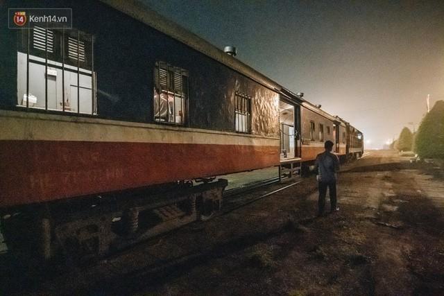 8 giờ trên chuyến tàu kỳ lạ nhất Việt Nam: Rời ga mà không có một hành khách nào - Ảnh 2.