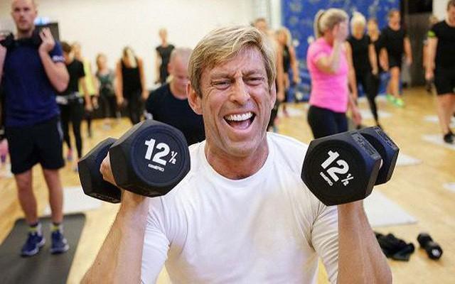 Điều hành công ty như phòng GYM, bắt toàn bộ nhân viên tập thể dục, CEO 46 tuổi đã giúp công ty lãi gấp 3 lần trong vòng 3 năm