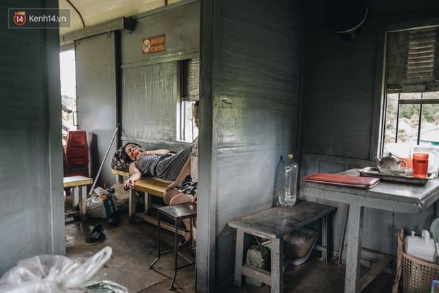 8 giờ trên chuyến tàu kỳ lạ nhất Việt Nam: Rời ga mà không có một hành khách nào - Ảnh 23.