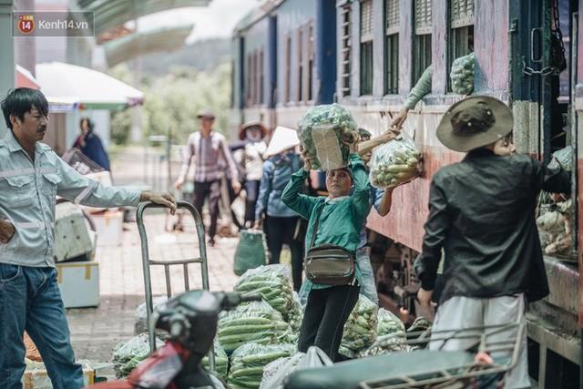 8 giờ trên chuyến tàu kỳ lạ nhất Việt Nam: Rời ga mà không có một hành khách nào - Ảnh 29.