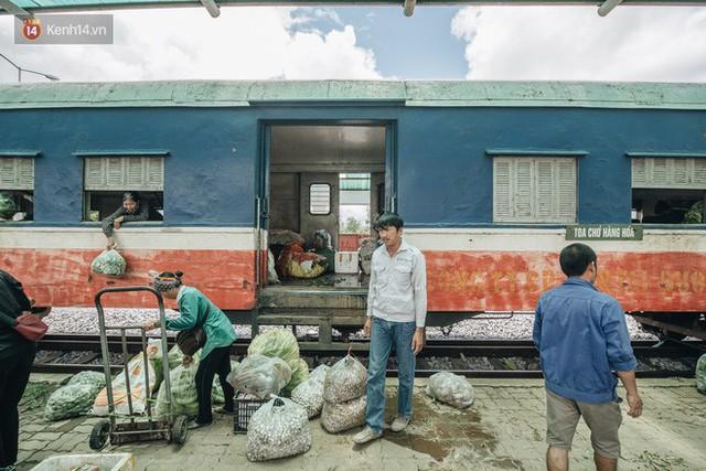 8 giờ trên chuyến tàu kỳ lạ nhất Việt Nam: Rời ga mà không có một hành khách nào - Ảnh 31.