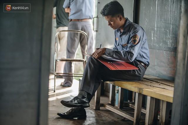 8 giờ trên chuyến tàu kỳ lạ nhất Việt Nam: Rời ga mà không có một hành khách nào - Ảnh 32.