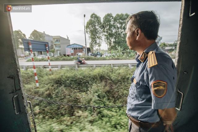 8 giờ trên chuyến tàu kỳ lạ nhất Việt Nam: Rời ga mà không có một hành khách nào - Ảnh 34.