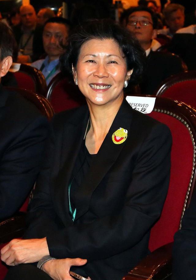 Bóng hồng của tỷ phú giàu nhất Hong Kong: 27 năm không danh phận, U60 vẫn không rời bỏ - Ảnh 5.