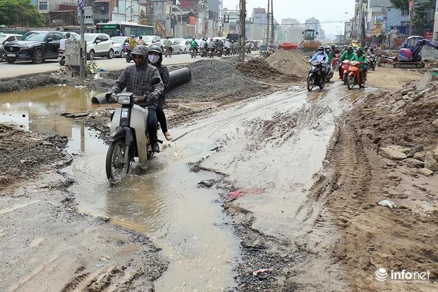 Hà Nội: Người dân phải off road bất đắc dĩ trên đường Trường Chinh - Ảnh 9.