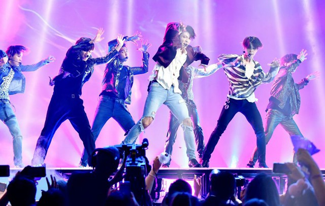 Từ sự kết hợp Sơn Tùng MTP và ngôi sao Snoop Dogg đến cách người Hàn biến âm nhạc thành ngành công nghiệp tầm cỡ thế giới - Ảnh 2.
