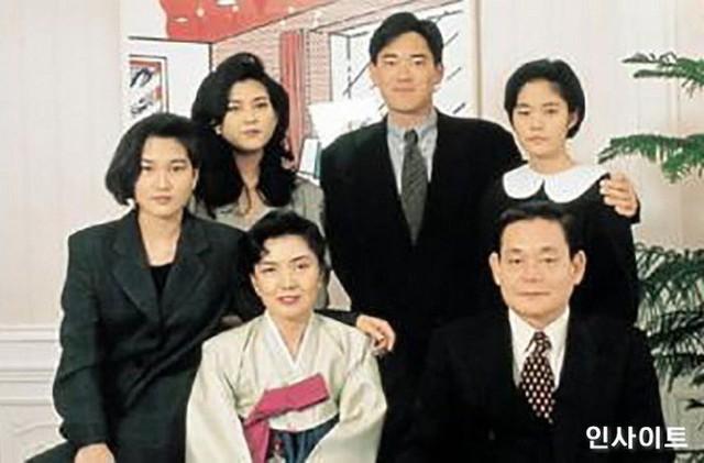 Phu nhân cựu chủ tịch Samsung: Ái nữ tờ báo danh tiếng lui về làm hậu phương cho chồng, nữ chủ nhân thật sự của tập đoàn lớn nhất Hàn Quốc - Ảnh 3.