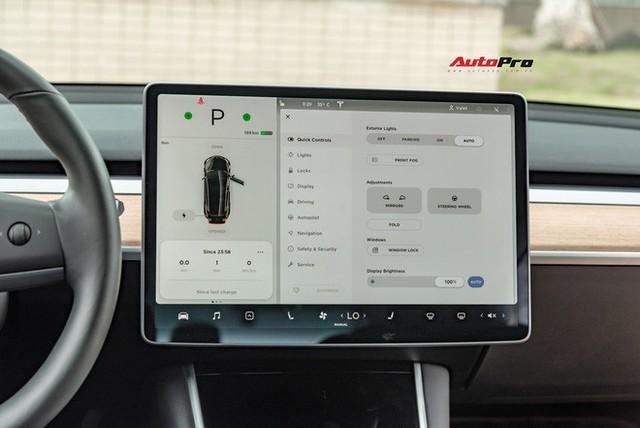 Đánh giá nhanh Tesla Model 3 đầu tiên Việt Nam: 8 điểm thú vị ít ai biết sau mức giá hơn 3 tỷ đồng - Ảnh 15.