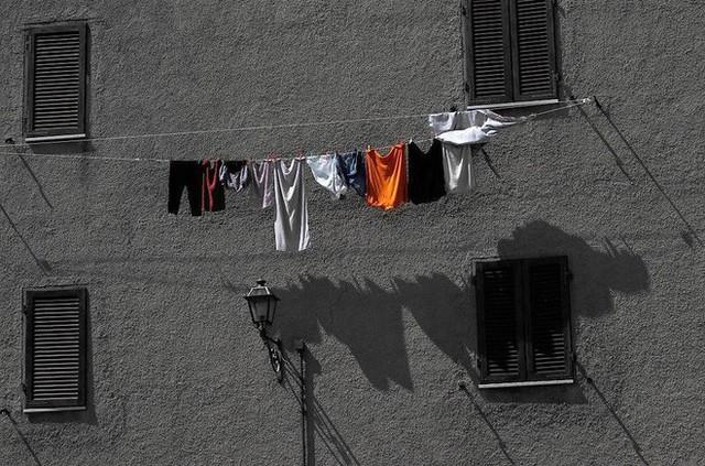 Điều gì sẽ xảy ra nếu bạn mặc ngay quần áo mới mua mà không giặt? - Ảnh 3.