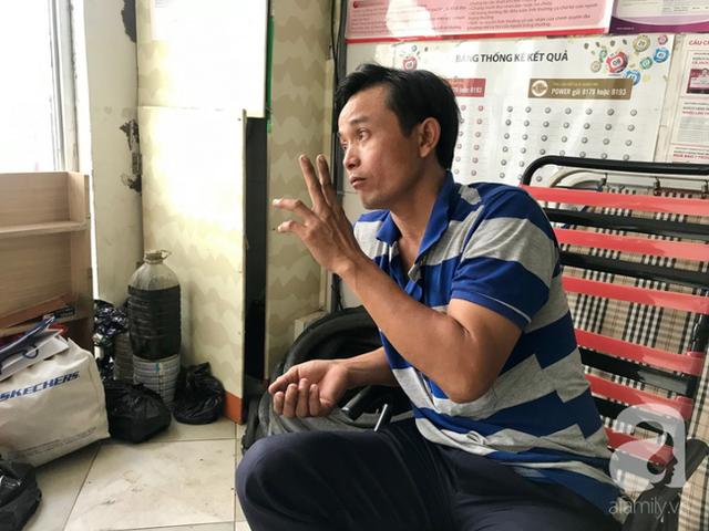 Anh chàng miền Tây hào sảng, ngủ vỉa hè Sài Gòn và tấm bảng vá xe không tiền cũng vá cho khách lỡ đường giữa đêm khuya - Ảnh 5.