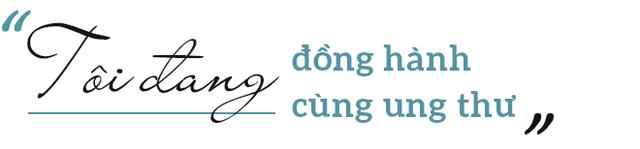 Từng bị ung thư, nữ ca sĩ phòng trà hot nhất Hà Nội buồn bã: Người Việt mình cứ ốm đau là tự mua thuốc về chữa, tự làm bác sĩ, kiến thức sức khỏe rất hạn chế - Ảnh 5.