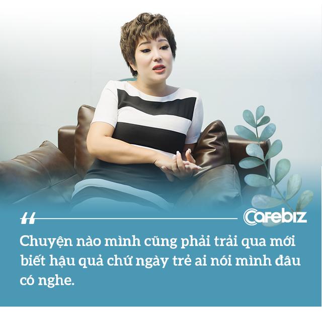 Từng bị ung thư, nữ ca sĩ phòng trà hot nhất Hà Nội buồn bã: Người Việt mình cứ ốm đau là tự mua thuốc về chữa, tự làm bác sĩ, kiến thức sức khỏe rất hạn chế - Ảnh 6.