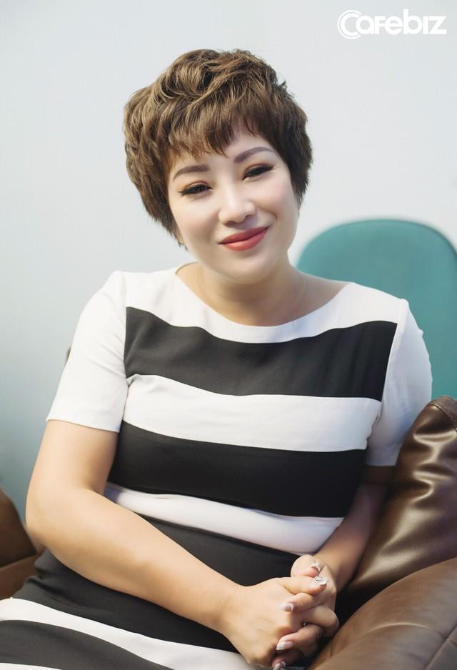 Từng bị ung thư, nữ ca sĩ phòng trà hot nhất Hà Nội buồn bã: Người Việt mình cứ ốm đau là tự mua thuốc về chữa, tự làm bác sĩ, kiến thức sức khỏe rất hạn chế - Ảnh 3.