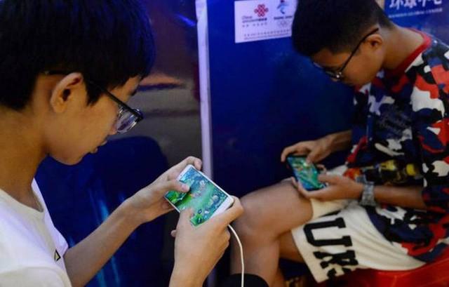 Cuộc chiến chống nghiện game tại Trung Quốc: Chính phủ nước này sắp cấm cả nội dung yêu đương trong game - Ảnh 1.