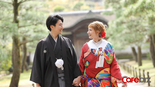 Một Nhật Bản rất khác: Mang tiếng là nước giàu nhưng cánh đàn ông còn chẳng đủ tiền để lấy vợ - Ảnh 3.