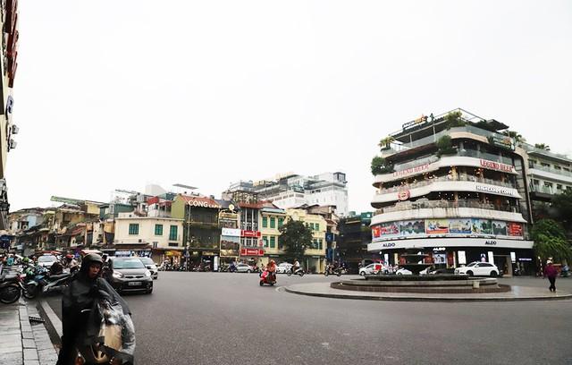 Đắt như đất phố cổ Hà Nội: Có người làm cả đời không mua nổi 1 m2  - Ảnh 2.