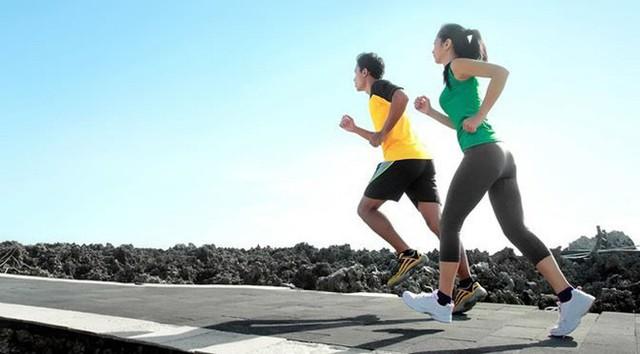 Hiệu ứng domino sức khỏe: Một cái chống đẩy bây giờ có thể thay đổi cả tuổi thọ của bạn - Ảnh 3.