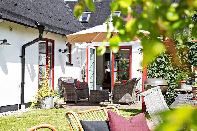 Cải tạo nhà cũ thành ngôi nhà vườn hoàn hảo đáng mơ ước đậm chất Scandinavia - Ảnh 1.