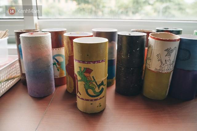 Ở Hà Nội có một ngôi trường không bao giờ thả bóng bay ngày khai giảng, học sinh có hàng loạt dự án biến chai nhựa thành gạch xây trường - Ảnh 12.