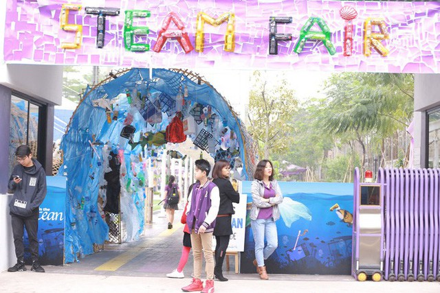 Ở Hà Nội có một ngôi trường không bao giờ thả bóng bay ngày khai giảng, học sinh có hàng loạt dự án biến chai nhựa thành gạch xây trường - Ảnh 17.