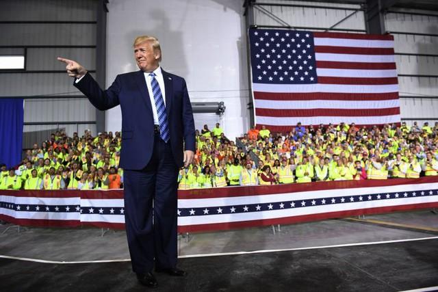 Tổng thống Trump lại gây sóng gió khi đe dọa rút khỏi WTO - Ảnh 1.