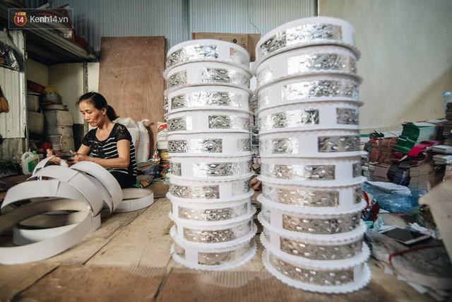 Thủ phủ vàng mã lớn nhất cả nước tấp nập tháng cô hồn: túi Chanel, xe phân khối lớn, xe đạp điện xuất xưởng - Ảnh 11.