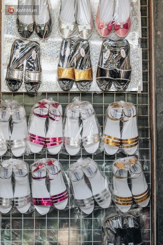 Thủ phủ vàng mã lớn nhất cả nước tấp nập tháng cô hồn: túi Chanel, xe phân khối lớn, xe đạp điện xuất xưởng - Ảnh 23.