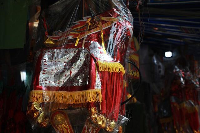 Thủ phủ vàng mã Hà Nội đìu hiu trước ngày cúng rằm tháng 7 - Ảnh 6.