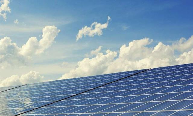 Tin buồn: Nóng lên toàn cầu sẽ làm sản lượng năng lượng Mặt Trời giảm đáng kể - Ảnh 1.