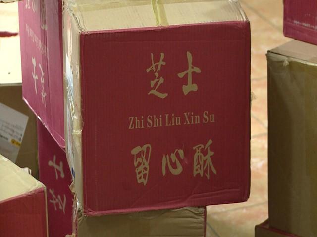 Hà Nội: Thu giữ hàng nghìn chiếc bánh Trung thu do nước ngoài sản xuất không rõ nguồn gốc - Ảnh 1.