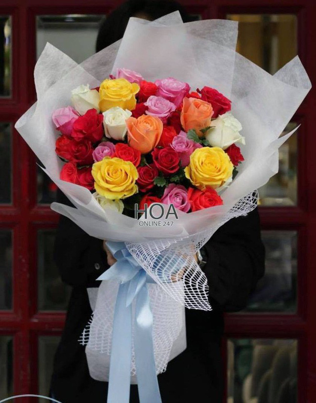 Bán hoa héo, shop hoa của soái ca khởi nghiệp Shark Khoa bị dân tình chê: Cửa hàng toàn ca sĩ diễn viên đặt không mà... - Ảnh 1.