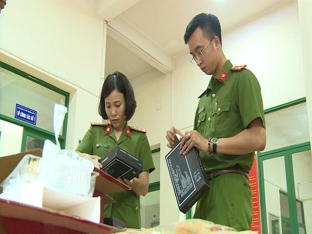 Hà Nội: Thu giữ hàng nghìn chiếc bánh Trung thu do nước ngoài sản xuất không rõ nguồn gốc - Ảnh 15.