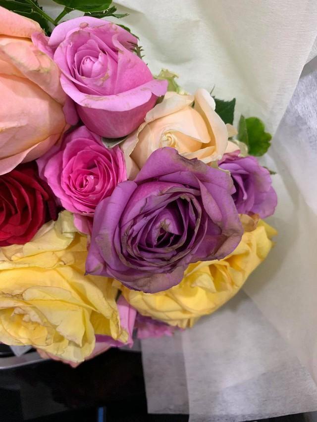 Bán hoa héo, shop hoa của soái ca khởi nghiệp Shark Khoa bị dân tình chê: Cửa hàng toàn ca sĩ diễn viên đặt không mà... - Ảnh 5.