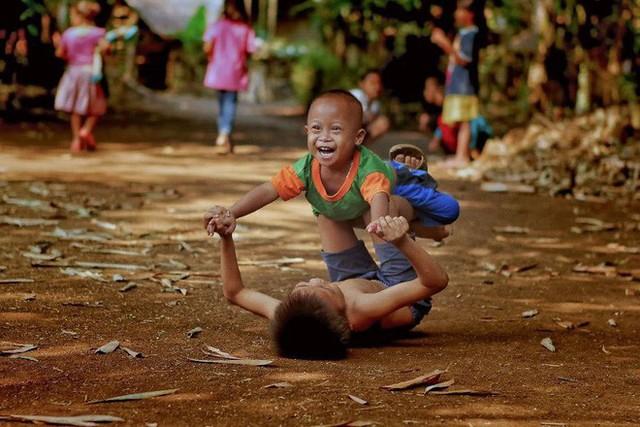 """Được hỏi """"tình yêu là gì"""", nhiếp ảnh gia người Việt và đồng nghiệp liền đáp lại bằng loạt ảnh ấn tượng - Ảnh 5."""