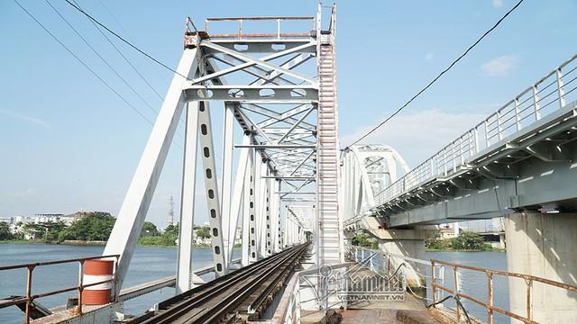 Ngắm từ trên cao cầu đường sắt 117 năm tuổi ở Sài Gòn sắp tháo dỡ - Ảnh 22.