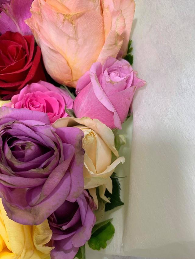 Soái ca khởi nghiệp Shark Khoa nói gì khi shop hoa bị phản ánh bán hoa héo cho khách? - Ảnh 4.
