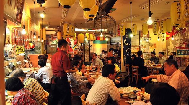 """""""Độ"""" quán rượu bình dân Nhật Bản - Mô hình kinh doanh nhà hàng """"độc lạ"""" của Kai Izakaya - Ảnh 3."""