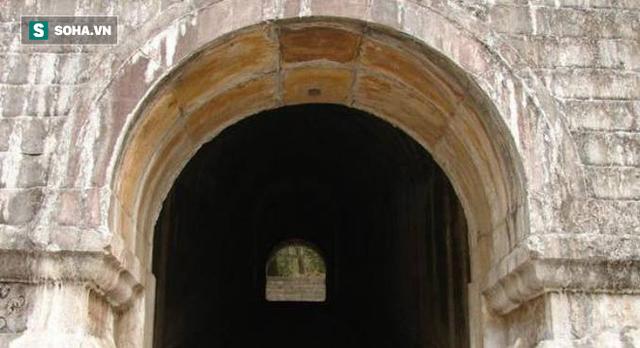 Lăng mộ hoàng đế Trung Quốc 300 năm không kẻ trộm mộ nào dám cướp phá, lý do tại sao? - Ảnh 3.