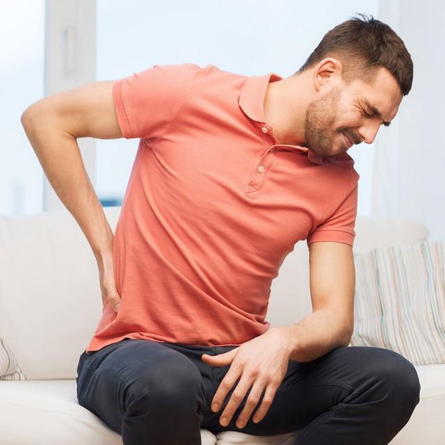 Ngủ gục trên bàn mỗi buổi trưa và những tác hại không tưởng đến sức khỏe của bạn - Ảnh 1.