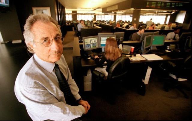 Vụ ponzi lớn nhất lịch sử của cựu chủ tịch NASDAQ: Gây dựng bức tường niềm tin, lừa 65 tỷ USD từ 37.000 người trên khắp 136 quốc gia - Ảnh 2.