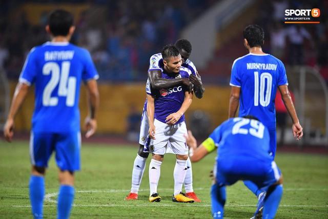 Quang Hải lên thần, ghi liên tiếp hai bàn đẹp mắt ở Cúp châu Á cho Hà Nội FC - Ảnh 14.