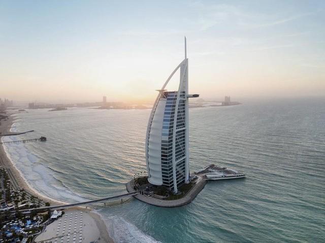 """Khoa Pug thất vọng vì """"đốt tiền"""" không đáng tại khách sạn 7 sao ở Dubai, hướng dẫn viên người Việt chỉ ra điểm làm quá - Ảnh 6."""
