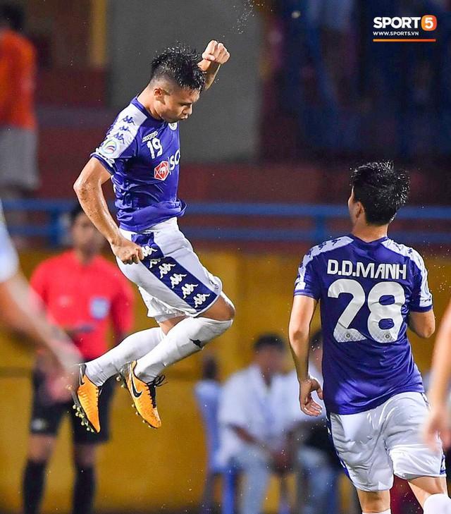 Quang Hải lên thần, ghi liên tiếp hai bàn đẹp mắt ở Cúp châu Á cho Hà Nội FC - Ảnh 8.