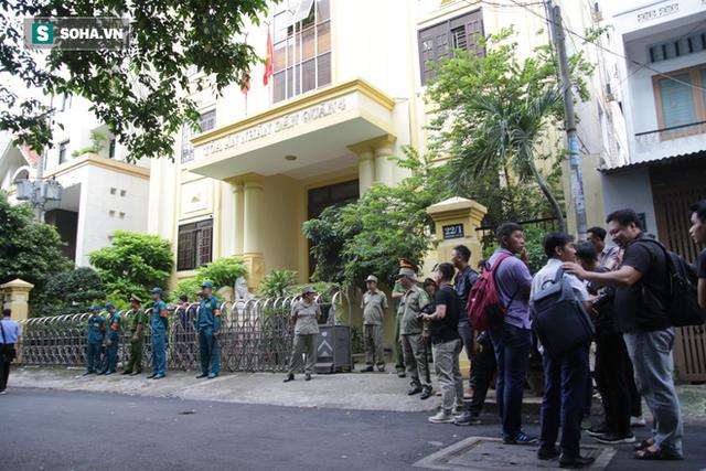 Nguyễn Hữu Linh choáng váng sau khi tòa tuyên án 1 năm 6 tháng tù - Ảnh 7.