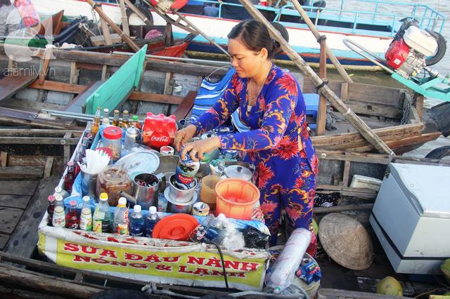 Về Cần Thơ dập dềnh ăn bún, uống cà phê di động trên chợ nổi Cái Răng còn được khuyến mãi câu hò ngọt lịm của miền sông nước - Ảnh 8.