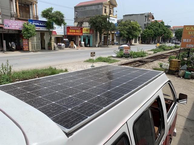 Nam Định: Nam sinh chế tạo thành công xe ô tô năng lượng mặt trời - Ảnh 1.