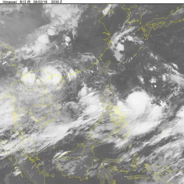 Bão số 3 suy yếu thành áp thấp, gây mưa rất lớn ở miền Bắc, cảnh báo ngập lụt tại Hà Nội - Ảnh 1.