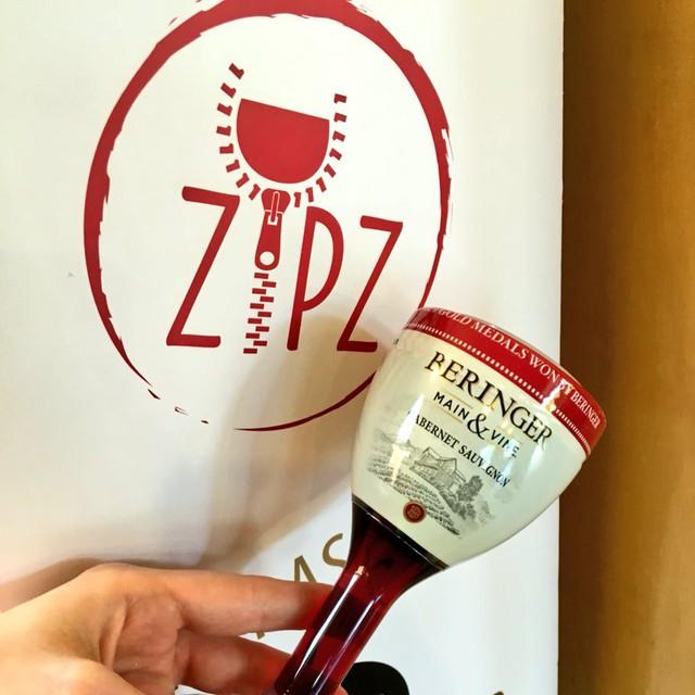 Zipz Wine - Startup bán rượu vang trong túi zip: Ý tưởng xuất chúng trở thành thương vụ lớn nhất lịch sử Shark Tank Mỹ, nay chỉ là tấm gương thất bại trong dẫn chứng của shark Bình - Ảnh 3.