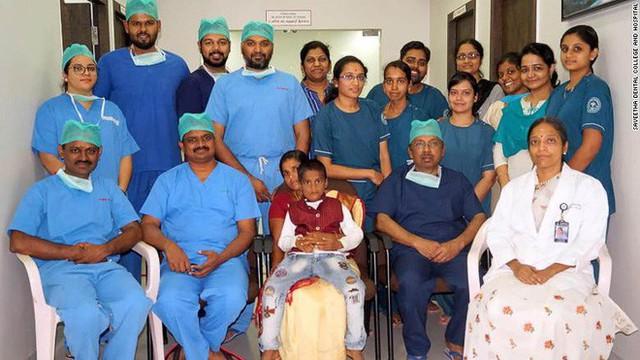Lạ lùng: Một cậu bé Ấn Độ có hơn 500 chiếc răng trong khoang miệng - Ảnh 1.