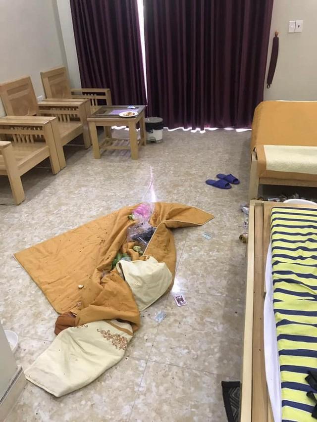 Kinh hoàng những pha du khách ở cực bẩn trong khách sạn và homestay: Rác ngập kín lối, chó phóng uế cả... trên giường - Ảnh 18.